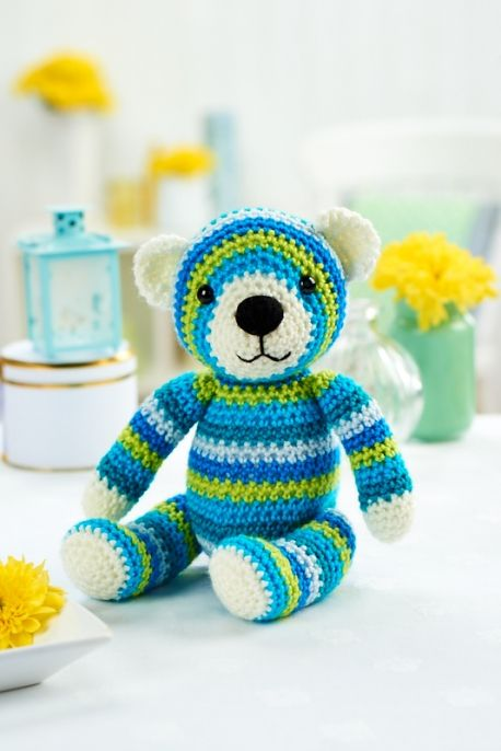 10 Quick and Easy Mini Amigurumi Patterns - Grace and Yarn | 686x458