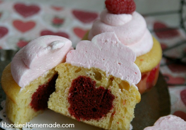 cupcakes-with-hearts