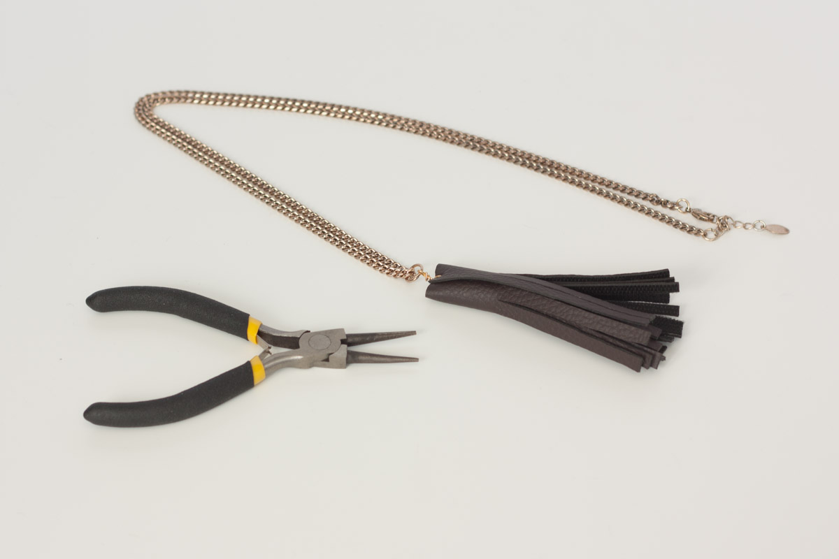 diy leather tassel necklace assemble