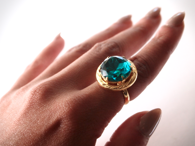 emerald-button-ring