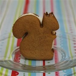 ginger-sandwich-squirrels