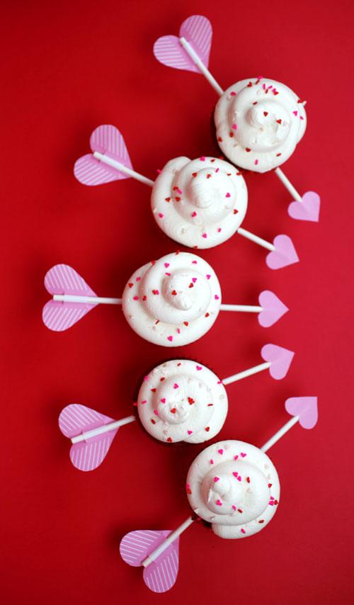 red-velvet-arrow-cupcakes