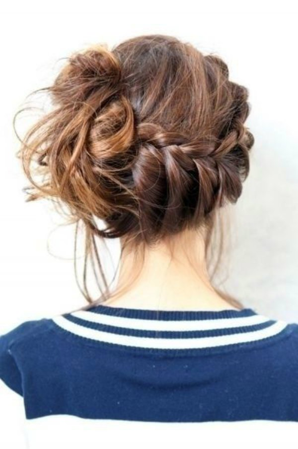 reverse-side-braid-messy-bun