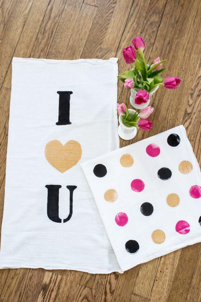 valentines-towels