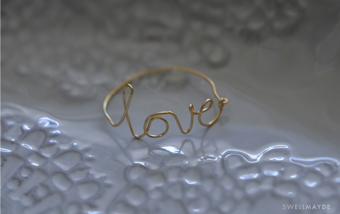 wire-love-ring