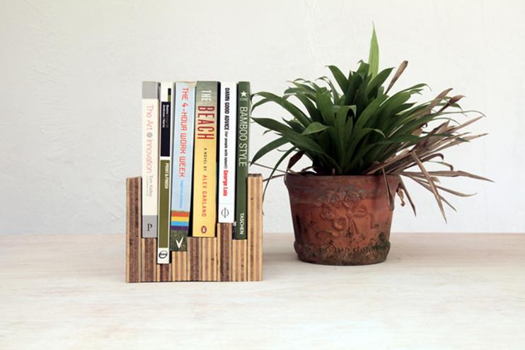 7 diy book display