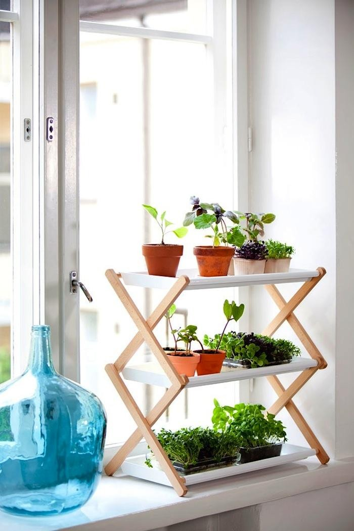 23 diy plant stands that hold the product of your green thumb for Un stand