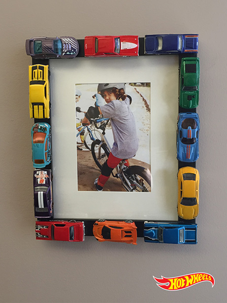Diy hot wheels picture frame