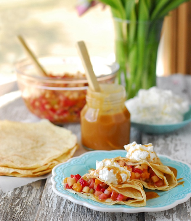 Fruit salsa crepes