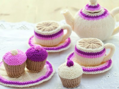 Knitted tea set