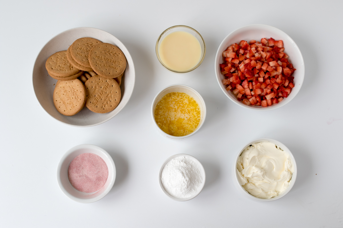 Strawberry mousse bars ingredients