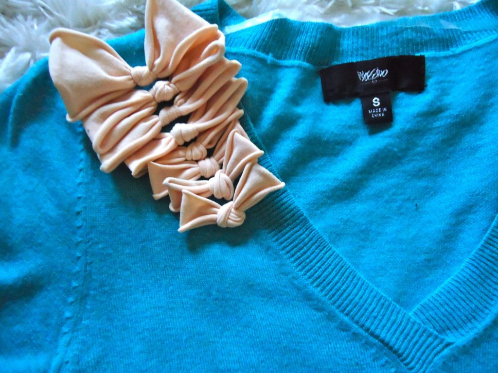 Sweater bows