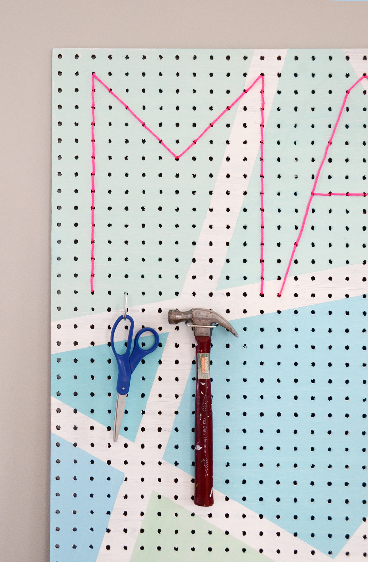 Diy geometric make pegboard 9