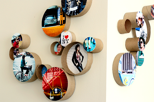 Flaunt your favorite memories with these 50 diy picture frames cardboard rings diy picture frame solutioingenieria Images