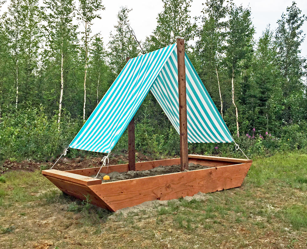 22 sandbox playhouse boat