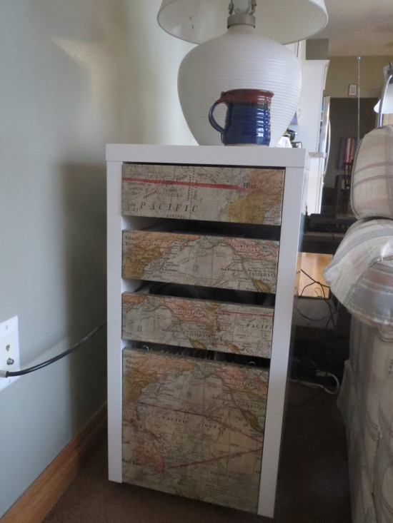 33 map end table