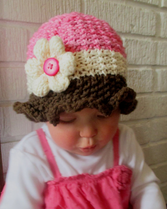 Baby sun hat pattern by knotenufknitting