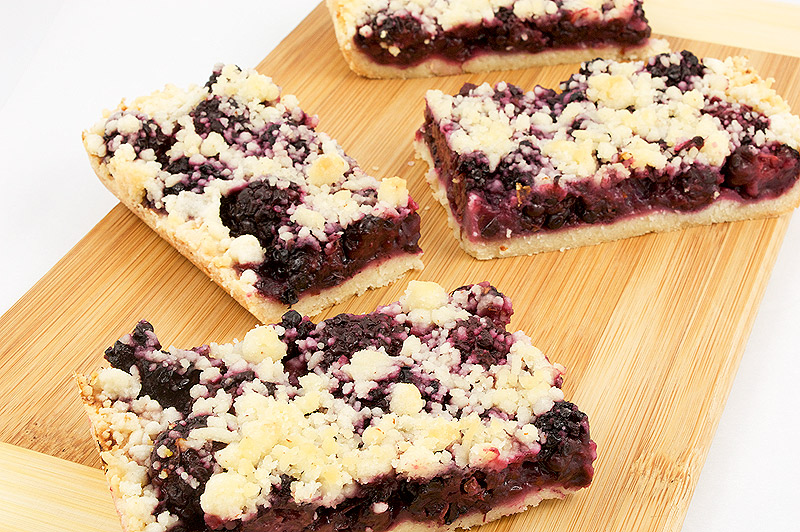 Blackberry almond shortbread squares
