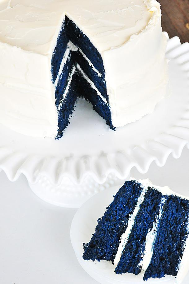 Blue velvet cake recipe dsc 9709