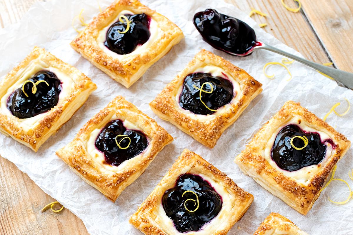 Cherry cheesecake pastries