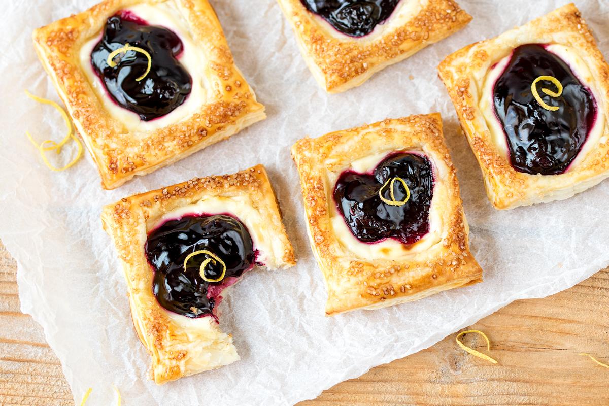 Cherry cheesecake pastries2
