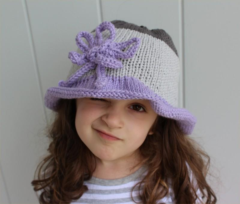 Colorblock hat by the knitting niche