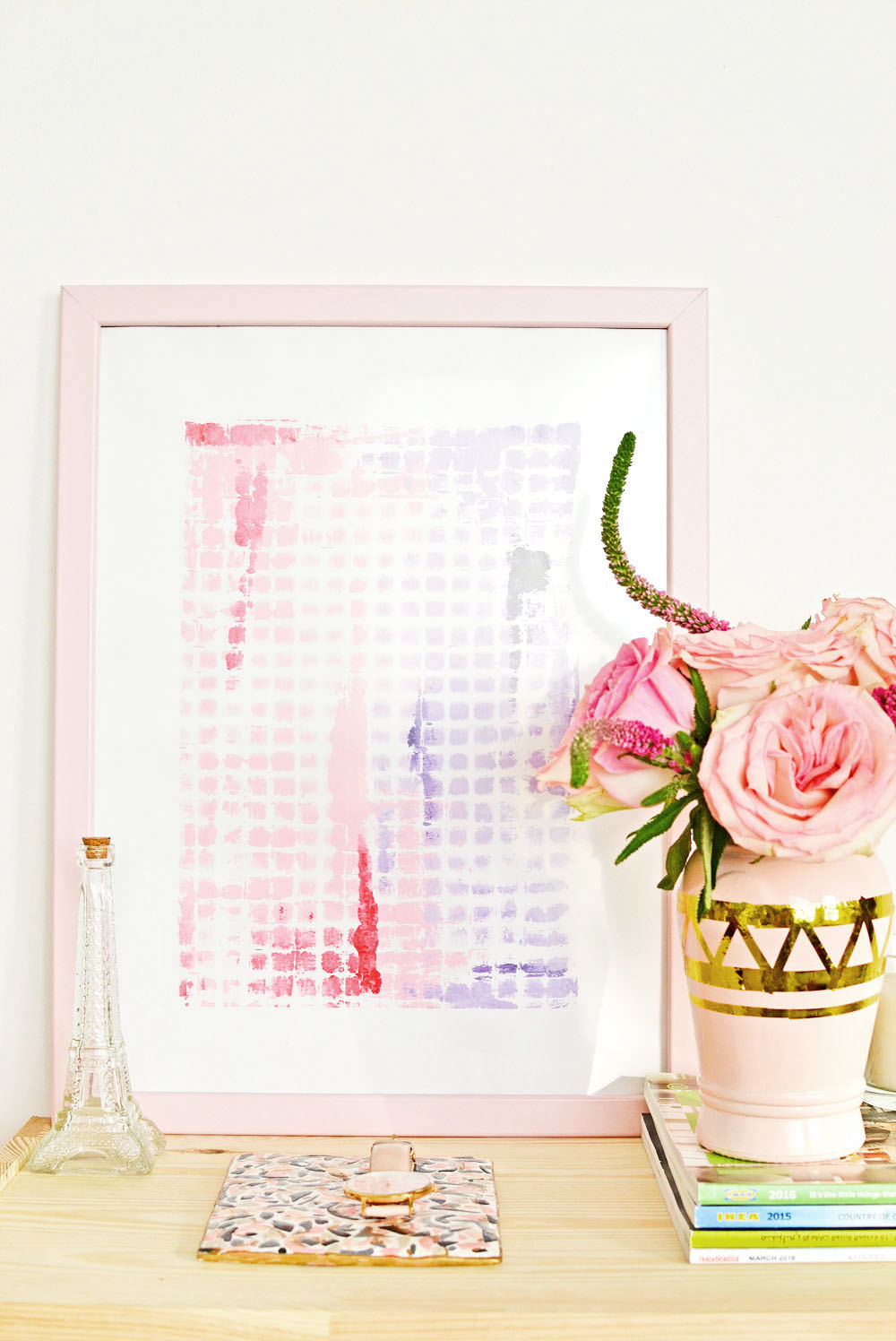 Are you in a lookout for an easy way to make abstract art. Look no further you will be amazed of how little of a time it takes to make a plenty of them with this one trick of using wire mesh