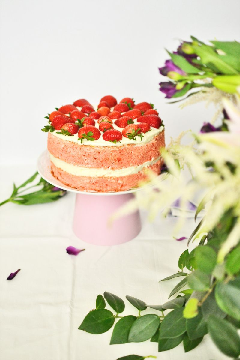 Diy cake stand from planter