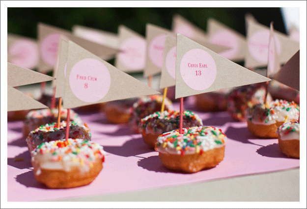 Donut place cards