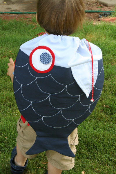 Drawstring fish backpack