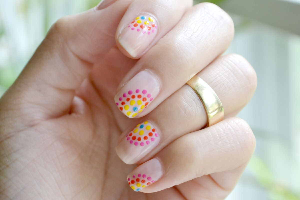 Festive dotted nails design