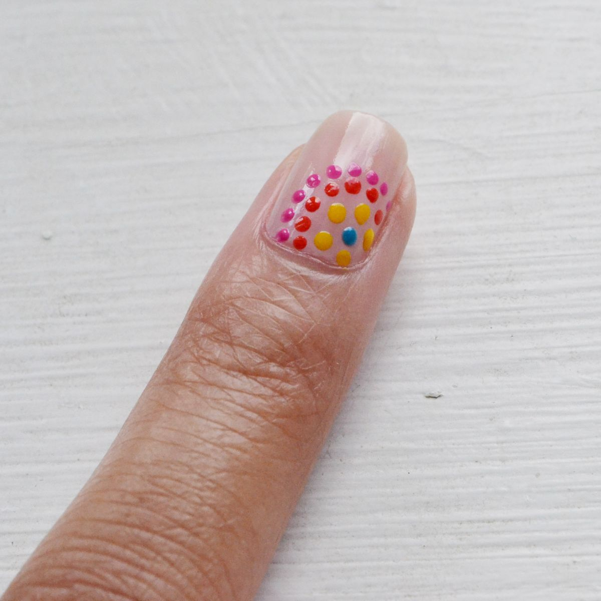 Festive dotted nails summer