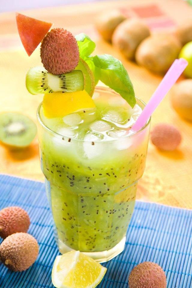 Lychee kiwi crush iced tea