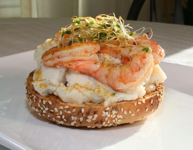 Mashed potato bagel with chili lime shrimp