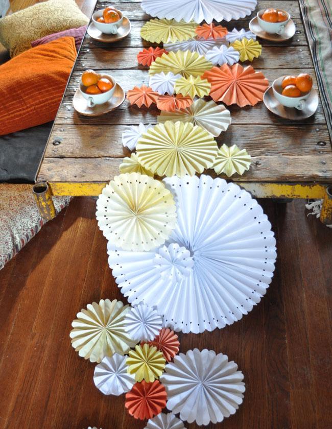 Paper pinwheel table runner
