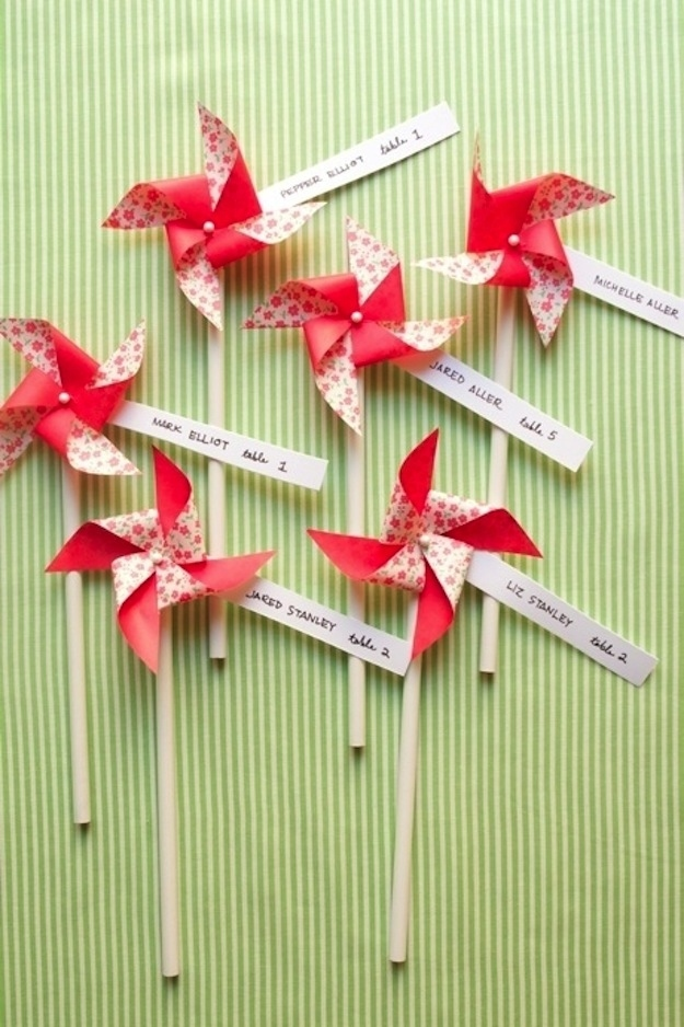 Pinwheel place cards