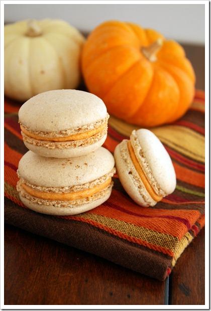 Pumpkin macarons3 thumb