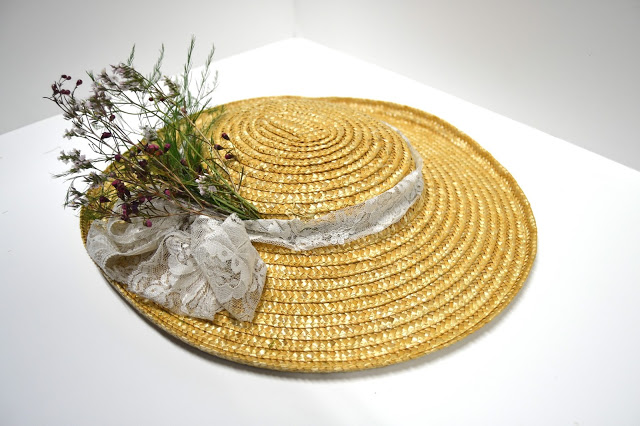 Sassy saucer hat