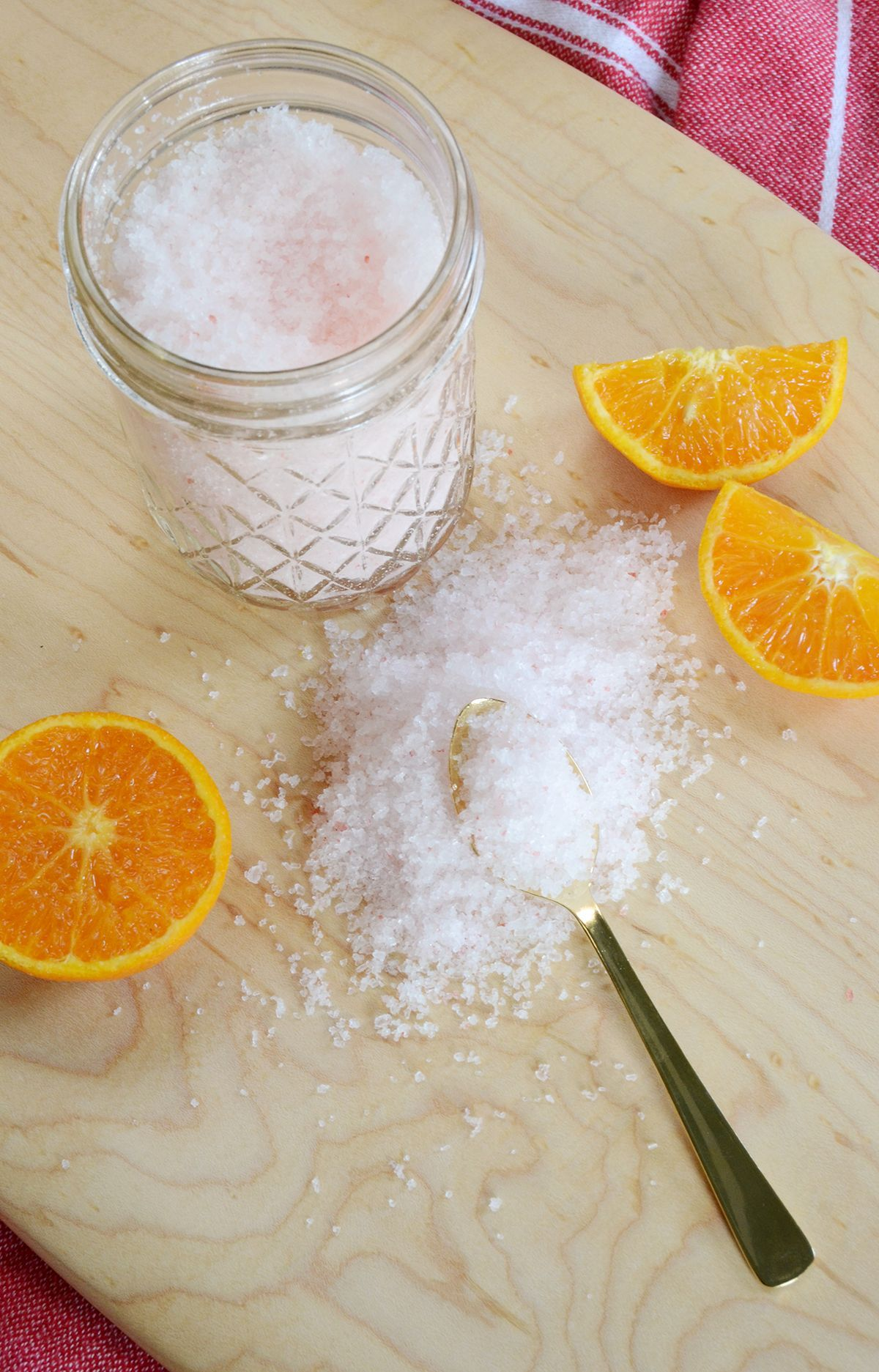 Simple scented diy bath salts top