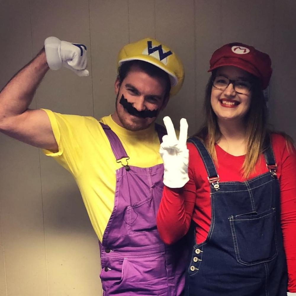 Super mario and wario hilarious couples costumes