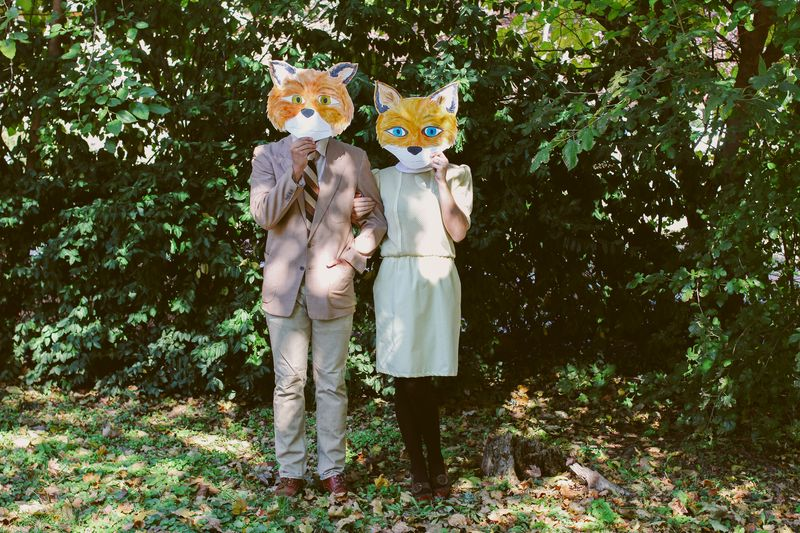 50 of the most creative couples costumes for all events diy fantastic fox costume solutioingenieria Image collections