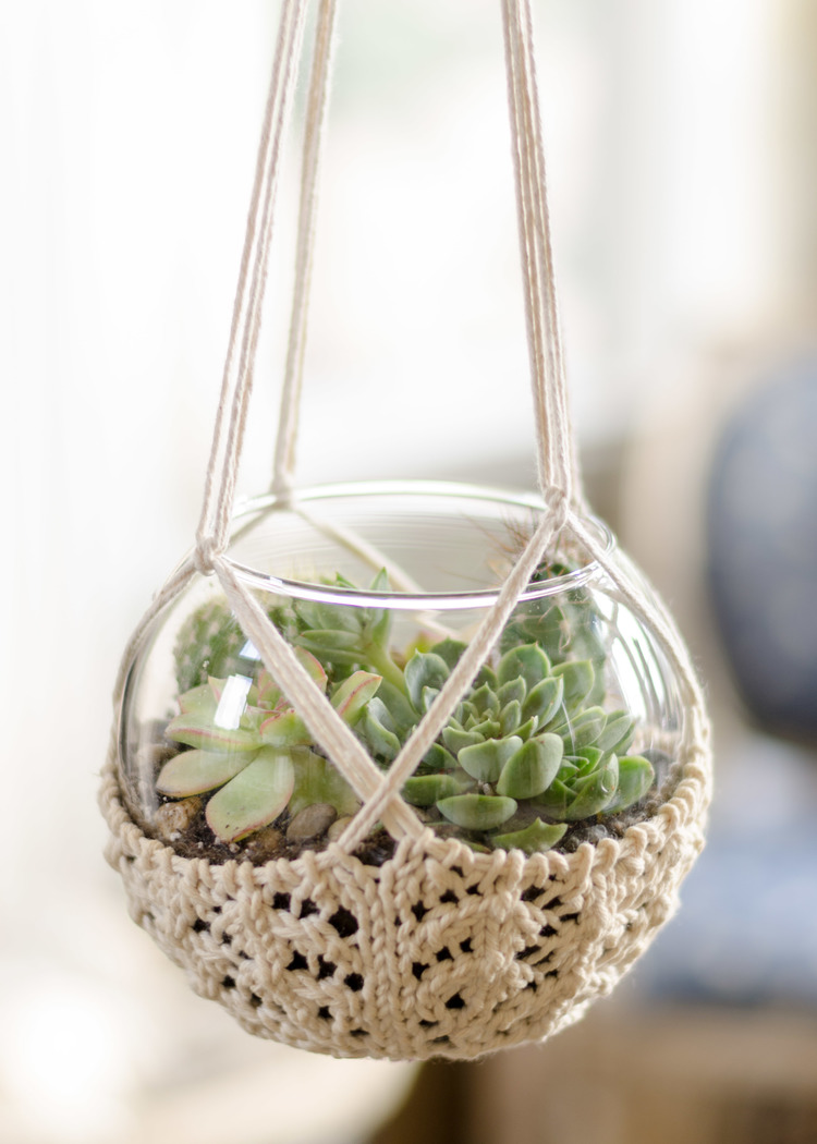 Redecorate Your Home with these Clever Knitted Home Decor Projects
