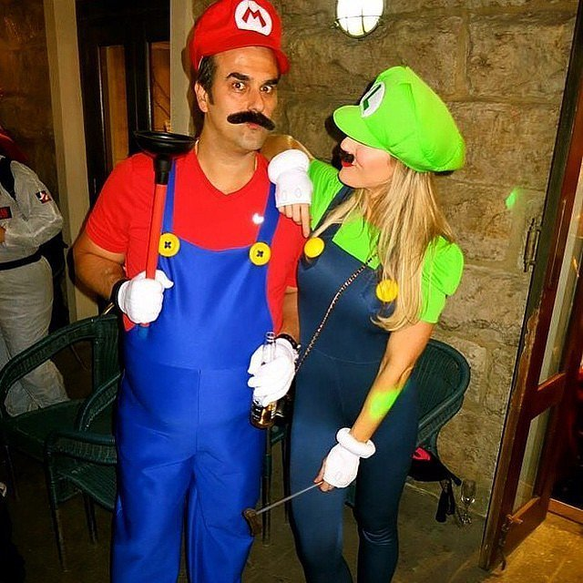 50 of the most creative couples costumes for all events mario luigi diy costume solutioingenieria Images