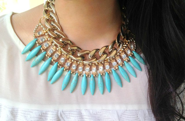 Revamped statement necklace
