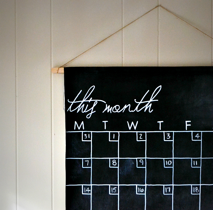15 chalkboard paint wall calendar diy