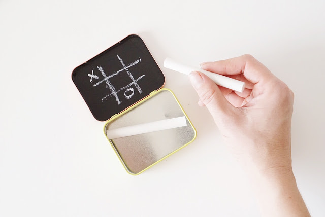 4 mini portable chalkboard tic tac toe