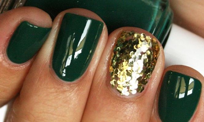 15 nails that show off your love for green forest green with a gold glitter accent nail prinsesfo Choice Image