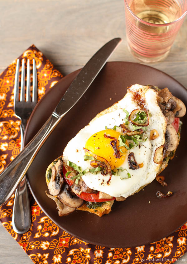 Fried egg and mushroom sandwich