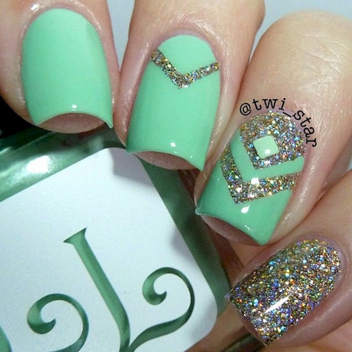 Green with glitter Vs - 15 Nails That Show Off Your Love For Green