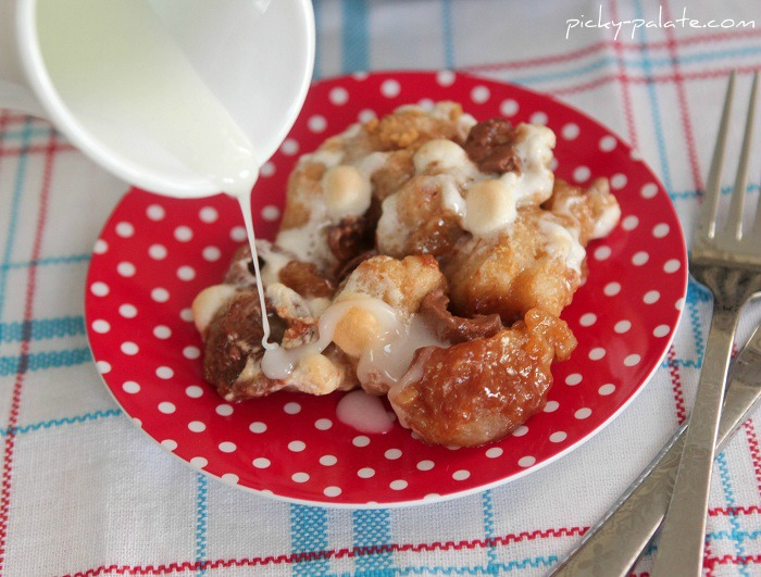 Mini rolo smores skillet monkey bread 5